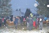 Příprava ozdob a rozsvícení stromečku v Poříně - foto č. 12